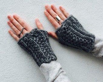 Chunky Grey mittens/ Ettie / knitted