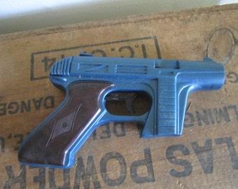 Vintage Tracer Disc Gun. Toy Gun Vintage toy.