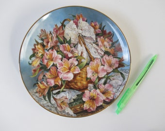 Alstroemeria Plate, Vintage Collectible Franklin Mint 1990 Pink Yellow Blue Green Tan White, Wall Kitchen Dining Office Decor