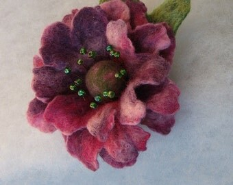 Flowers Brooch -  Felted Flower- Hand felted brooch - Wool brooch- Pink Violet flower brooch