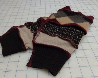 Brown argyle arm warmers set