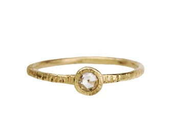 Bark ring. A simple engagement ring. 18k Lolly