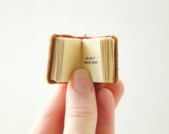 Shakespeare Sonnet 18  Mini Book Necklace Poem Writing for book lover teacher librarian English - Summer's Day novel pendant