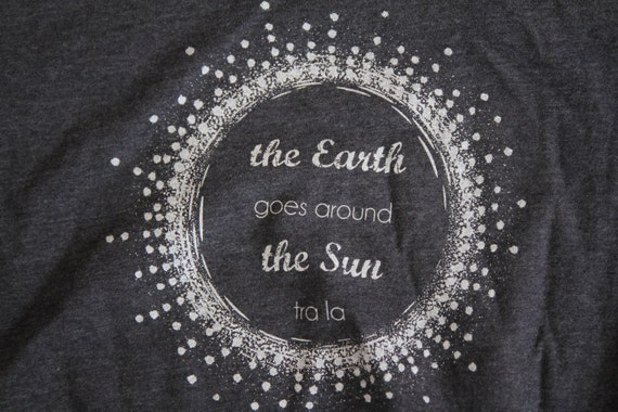 Montessori Kids-T-Shirt Earth Goes Around the by ...