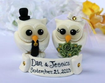 White owl wedding cake topper with banner, winter wedding, snow white, customizable