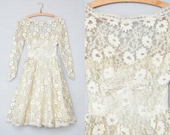 1950s Wedding Dress Ivory Lace Cupcake Lorrie Deb Tulle Wedding Dress XS