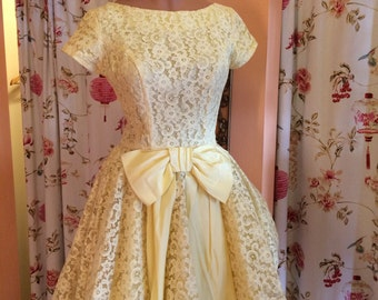 Vintage Yellow Lace Dress with Swing Skirt