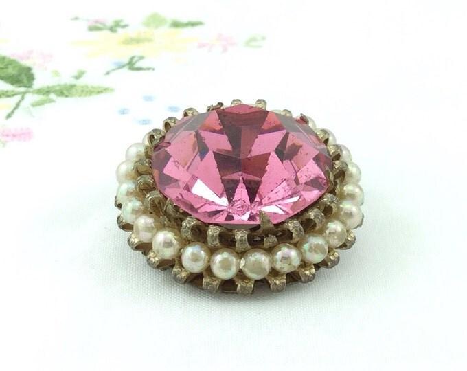 Vintage Pink Glass Costume Jewel Pin, Old Vintage Pink Faceted Cabochon Brooch. Sparkling Pink Brooch with Pearls. Pearl Brooch with Glass.