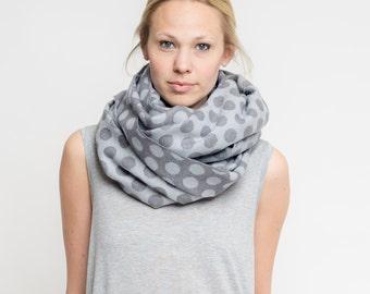 merino scarf dots // granit