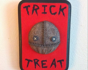 Trick 'r Treat Wall Hanging Sculpture
