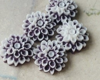 17 mm Dark purple and white Colour Resin Dahlia Flower Cabochons (.sm)(ZZB)