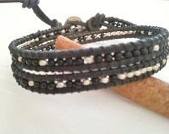 Double wrap bracelet, black leather, glass seed beads, black silver mix