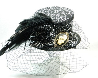 Tophat asymetric black white netting Funeral Day of the dead Steampunk Ladies Hat Fascinator Bibi Chapeau Victorian Costume Gothic Burlesk