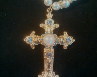 Stunning Gold Cross and Pearl Necklace