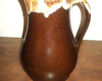 Vintage ROSEVILLE POTTERY PITCHER, A large brown glazed ceramic piece of pottery with white  drip finish on top in Vintage Condition