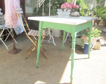Shabby chic table  farmhouse table  chic Farmhouse prarie Rachel Ashwell
