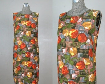 25% Off Summer Sale.... Vintage 1960s Cotton Shift Dress 60s Hawaiian Summer Dress in Abstract Floral Print Size 8M