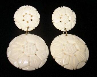 """White Dangle Clip On Earrings White Ox Bone Flower Design Boho 2 1/4"""" Vintage"""