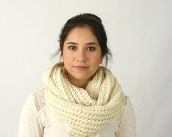 FLASH Sale Infinity Scarf Baby Alpaca Cowl Scarf Ribbed Crochet Scarf The London Ivory