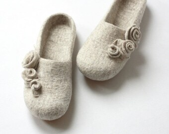SALE Women slippers - felted wool slippers from natural beige wool with roses - gift for her  - made to order