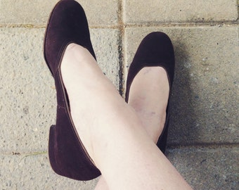 Rare Early 1940s Suede Flats / size 6
