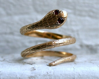 Super Cool Vintage 14K Yellow Gold Snake Ring with Rubies.