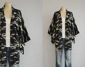 Vintage Silk Kimono /  Graphic Bamboo Print Hand Stitched Short Haori Kimono Robe / Black Cream