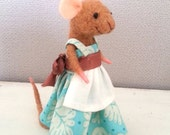 Needle felted mouse, mouse doll, felt mice, dollhouse mouse, miniature mouse, woodland, waldorf, woolen figurine, art mouse, felt mouse