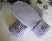 Women's lavender mittens lambswool fleece lined size medium heart buttons RTS