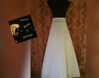 SALE. Size 14 Vintage White Petticoat - Bridal Petticoat Slip - Dress Underskirt - Nylon Tulle Petticoat - Long Skirt Slip - Womens XL Large