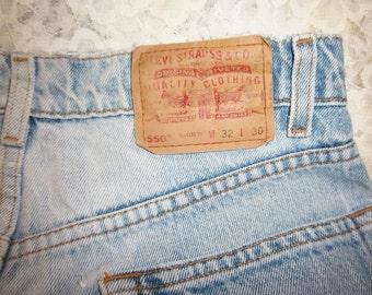 Vintage Lt Blue Levis 550's 32 x 30 Great Condition No Holes No Knee Wear
