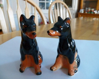 Vintage 1950's DOBERMAN Salt and Pepper Shakers in Excellent Condition
