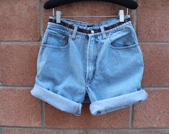 Light color jean denim high waist shorts size 28 vintage