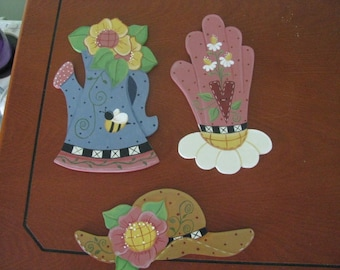 Magnet, summertime, gardening, glove, watering can, hat