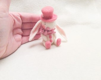 Needle felted bunny-Felted Miniature Rabbit- Felted Bunny-Wool felt Animal-Felted Animal-Felt Bunny-Toys for Blythe- Felt Bunny Rabbit