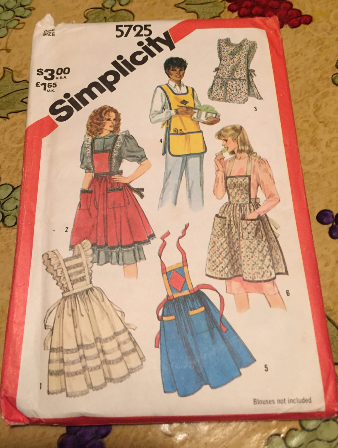 Vintage Simplicity Apron Pattern from 1982. Six Different