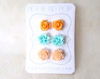 Mint and Peach Flower Stud Earrings Set. Soft Orange Rosebud Earrings, Lotus Mint Stud Earrings, Peach Rose Earrings. Peach Bridesmaid Gifts
