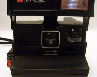 Vintage Polaroid 600 Land Camera 640 Black Strap Fixed Focus Built In Flash Instant Film Camera Tested Excellent