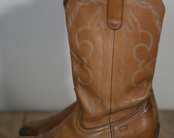 vintage tan leather cowboy boots by levi's