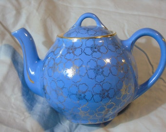 vintage Hall 6 cup tea pot periwinkle blue  and gold pattern 049