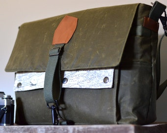 Waxed army green canvas messenger bag/ camera bag/ laptop/ diaper bag