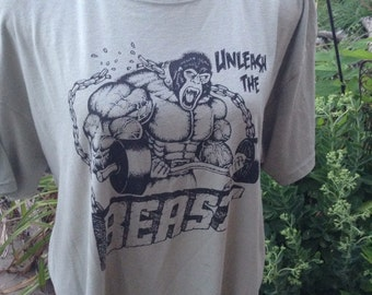 Vintage hipster King Kong weightlifting Unleash The Beast tshirt size xl free domestic shipping