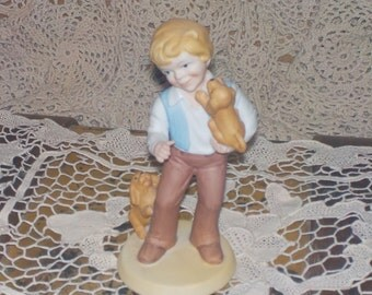 Avon Collectiable, Avon Best Friends Porcelain Figurines 1981 ,Best Friend Dog. Dog, Boys Best Friend, Gift idea,  :)S