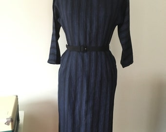 1950s wiggle black and blue wiggle dress with large collar, size medium