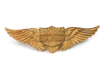 1930's Harley Davidson Pin Gold Plate Wings and Shield Banner with Old Style C Clasp