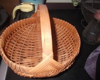 Vintage handmade Amish basket, beautiful, sturdy, strong
