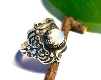 FAIRYTALE, 800 silver ring with Moonstone