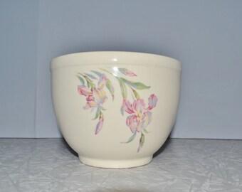 Universal Cambridge Iris Pottery Bowl ~ Vintage Mixing Bowl ~ Serving Bowl ~ Epsteam