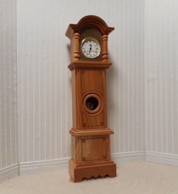Working miniature Grandfather Clock 1:12 scale.