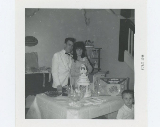 Vintage Snapshot Photo: Jerry & Darlene, Dayton, OH 1968 (610508)
